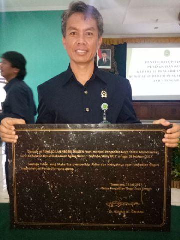 Penyerahan Prasasti Peningkatan Kelas Pengadilan Negeri Sragen